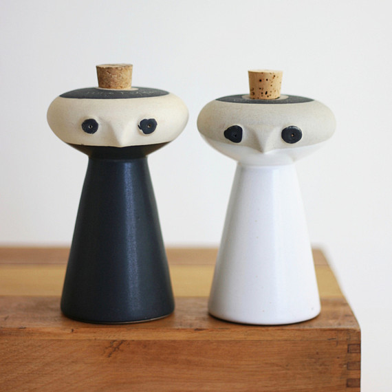 keramika vintage salt and pepper shaker